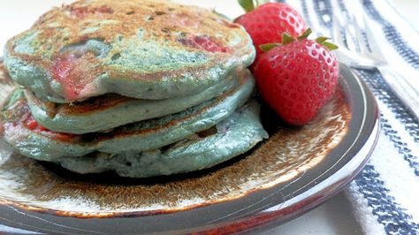 Very Berry Fluffy Pancakes. Saturday morning breakfast, can you hurry up and get here?