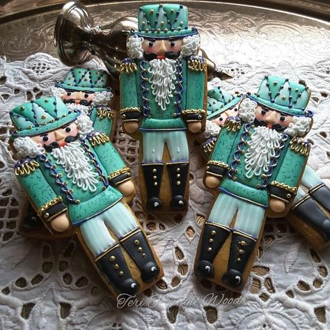 christmas cookies glase Weihnachtspltzchen Class A - Nutcracker soldier cookies in turquoise by Teri Pringle Wood Christmas Sugar Cookies, Christmas Gingerbread, Noel Christmas, Holiday Cookies, Christmas Baking, Gingerbread Cookies, Gingerbread Houses, Christmas Ornaments, Fancy Cookies