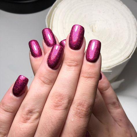 Sylwestrowy look💅🏼✨ Przezuń w bok aby zobaczyć paznokcie w ruchu 🥰• • #paznokciehybrydowe#blingbling#diamond#sylwester#newyear#newyearnails#newyeareve#paznokcie#gelnail#polishgel#gelnails#neonail#semilac#indigo#hybrid#hybridnaila#nails#nudenails#neonailnails#nailart#beautifulnails#perfectnails#goldennails#l4l#f4f