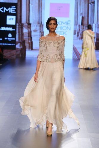 19 beautiful Indian-inspired wedding dresses and sarees