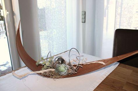 Amazing TD u Kokosblatt als Tisch oder Wanddeko Gro es Kokosblatt dekoriert mit nat rlichen Materialien einer Edelstahlkugel und k nstlichen Sukkulent u