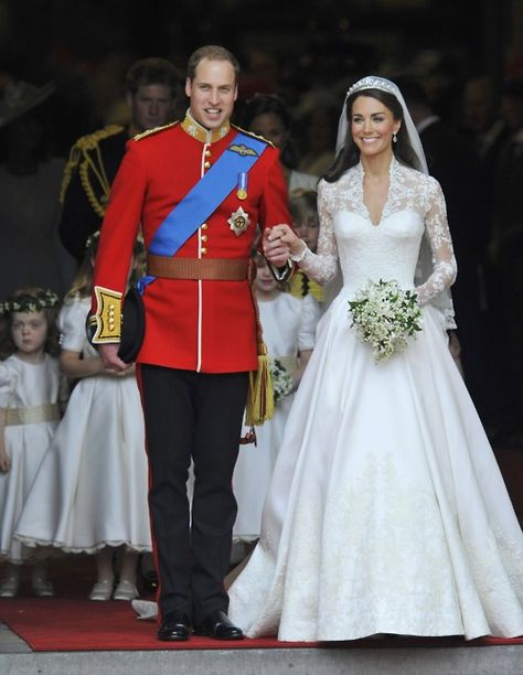 i think i dreamt this when i was 5yrs old ... only my prince was a bit cuter && that was me in a size 0 custom made gown.
