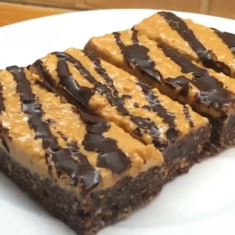 """""""Fancy a little chocolate treat? Try these no bake peanut butter protein brownies with dark chocolate  #Leanin15 #Treat @myprotein #impactWhey…"""""""