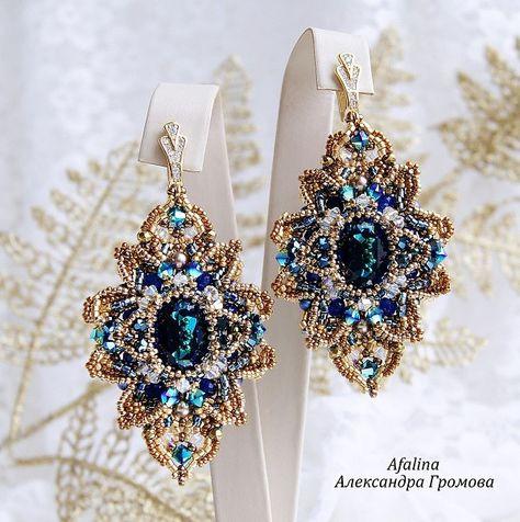 Destinees Clear Glass Stone Cluster BIB Necklace Set