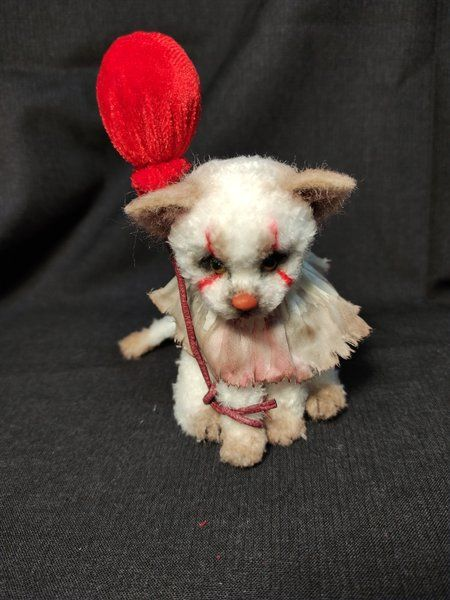 pennywise cat by i am