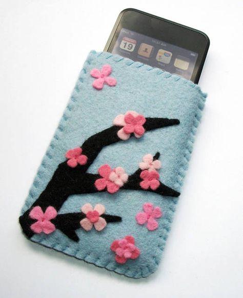 Risultato della ricerca immagini di Google per http://cdn2.stbm.it/pianetadonna/gallery/foto_gallery/moda/fiori-e-giardini-giapponesi-tradizione-hanami/porta-iphone-con-fiori-ciliegio.jpeg%3F-3600