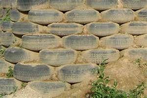 How To Build A Retaining Wall From Tyres The Rural Nz Bioconstruccion Decoracion De Unas