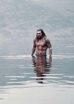 Jason Momoa as Aquaman (BTS for Justice League) - gif