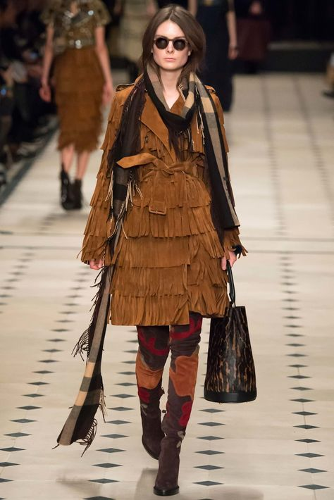 Fall for FALL colors: Burberry Prorsum Fall 2015 Ready-to-Wear Fashion Show - Emilie Ellehauge