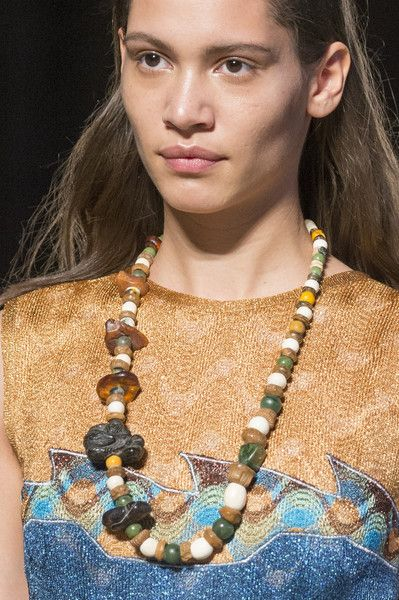 Missoni, Fall 2017 - Milan's Most Eye-Catching Runway Jewelry for Fall - Photos