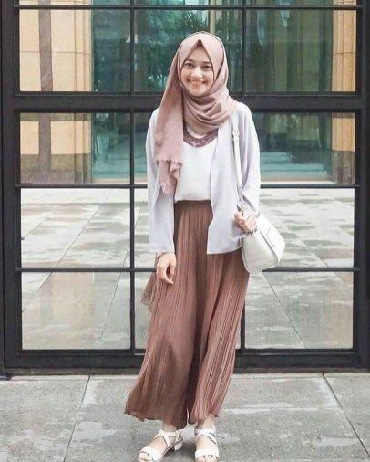 Combination Tricks Hijab Vintage For Women45 Muslim Outfits Hijab Fashion Muslim Fashion Outfits