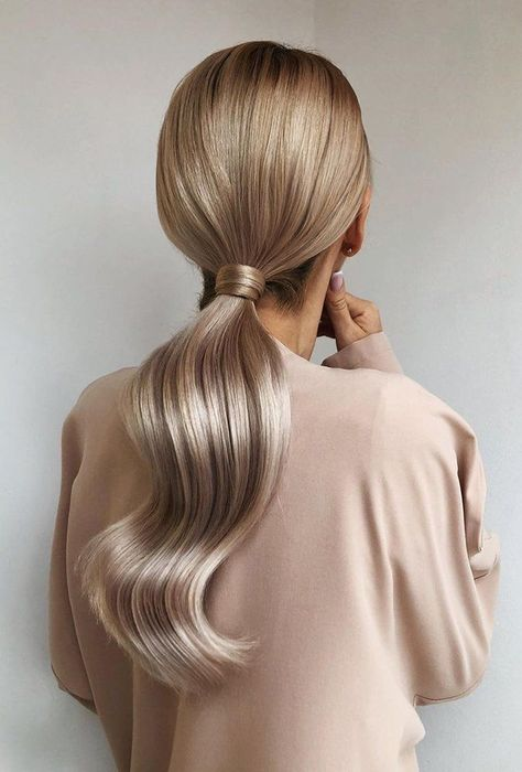Pony tail hairstyles are so chic and stylish! Pair it with your beautiful dress, and shook all your guests with your glamorous look! Elegant Hairstyles, Vintage Hairstyles, Pretty Hairstyles, Natural Hairstyles, Long Blonde Hairstyles, Long Hair Hairstyles, Woman Hairstyles, Fashion Hairstyles, My Hairstyle