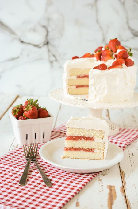 White Cake With Strawberry Filling Recipe Cake Filling Recipes Strawberry Cakes Strawberry Cake Filling