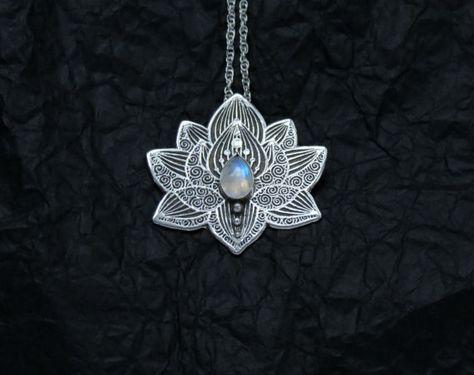 Lotus - Water Lily Collier - pendentif en argent fleur collier - pendentif pierre de lune - Collier coeur Chakra