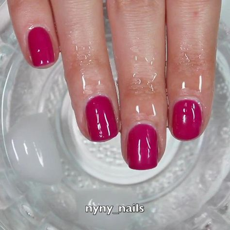 isn't a light pink to dark pink color gel polish, when you saw a light pink, it's because the temperature is right there, but you can not always keep it like that, so the color will change into white or pink finally!