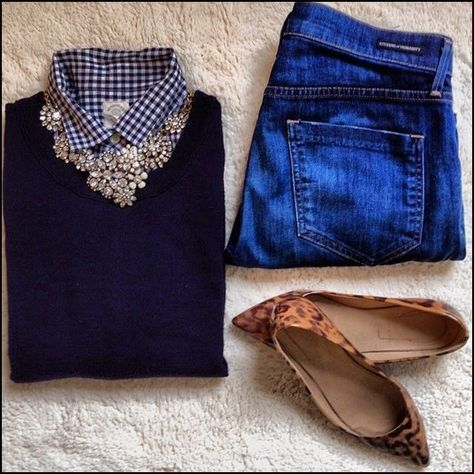 Love this look! Classic, elegant and comfy all rolled into one. A Great outfit for Thanksgiving! 10 OUTFIT IDEAS FOR THANKSGIVING DAY!