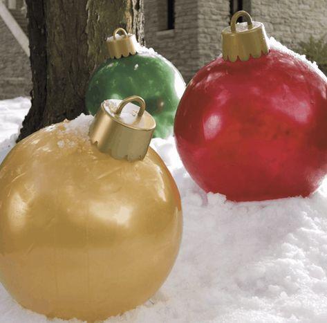 Large Outdoor Christmas Ornaments, Christmas Float Ideas, Christmas Parade Floats, Christmas Yard Decorations, Christmas In July, Christmas Balls, Christmas Projects, Simple Christmas, Lawn Decorations