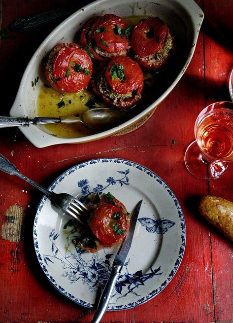 """TOMATES A LA PROVENZAL (Tomates farcies """" a la provençale"""") #RecetasFaciles #RecetasConTomates #EasyRecipes"""