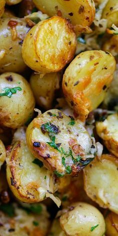 Italian Roasted Potatoes – buttery, cheesy oven-roasted potatoes with Italian seasoning, garlic, paprika and Parmesan cheese. So delicious   http://rasamalaysia.com