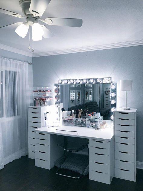 Schminktisch 60 Ideen Zum Dekorieren Und Organisieren Von Ikeamalm Table Dressin Bade Zimmer In 2020 Beauty Raum Rauminspiration Traumzimmer