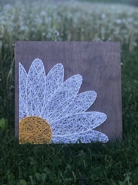 Items similar to Daisy String Art, Made to Order on Etsy Daisy String. - Items similar to Daisy String Art, Made to Order on Etsy Daisy String Art Made to Order - String Art Templates, String Art Tutorials, String Art Patterns, Cute Crafts, Crafts To Sell, Diy Crafts, Arte Linear, Nail String Art, String Wall Art