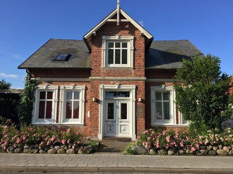 Marvelous Fensterumrahmungen | Häuser/Architektur | Pinterest | Haus Architektur,  Architektur Und Häuschen