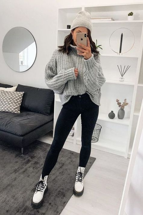 Casual Winter Outfits, Winter Outfits For School, Trendy Fall Outfits, Winter Fashion Outfits, School Outfits, Cool Girl Outfits, Prep Fashion, Ootd Winter, Fashionable Outfits