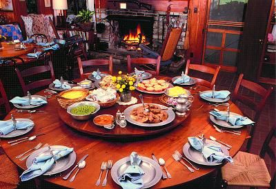 Delightful Family Style Dinning... No Standing In Line. With A Spinning Center So  People Donu0027t Have To Pass Dishes. | For The Home | Pinterest | Family Style  Weddings, ...