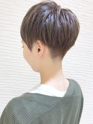 2019年夏 ベリーショート 刈り上げ アッシュ ブラック系の髪型 ヘア