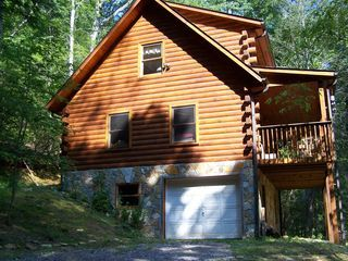 Skip's-Is a charming, log cabin in the heart of the