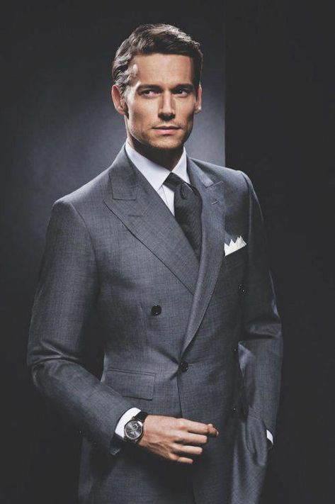 bc0a6aa6 Pin de Premium Outlets Punta Norte en Graduaciones   Mens suits, Suit  fashion y Mens fashion