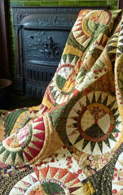A New York Beauty Christmas Quilt - Busy Bee No. 16