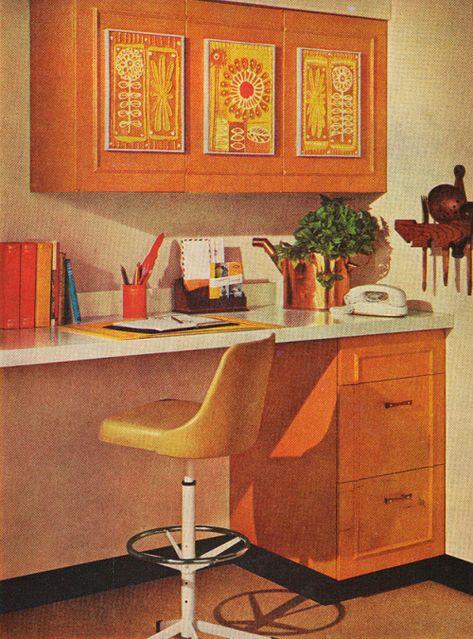 Handmade decorative plaques featured in Better Homes and Gardens, November 1966 60s Home Decor, 1970s Decor, Retro Interior Design, Eclectic Design, Modern Design, Decoration Design, Pop Art Decor, Retro Room, Vintage Interiors