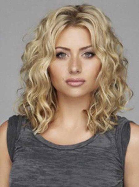 25 Hairstyles For Medium Short Hair Frisuren Lockige Frisuren