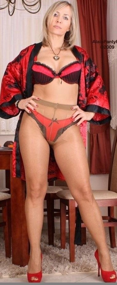 Videos mistress milf pantyhose