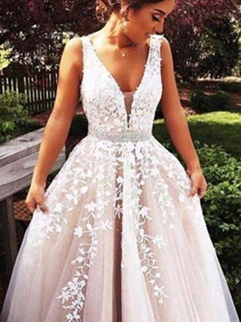 V Ringning A linjeformat Bröllopsklänningar Tyll