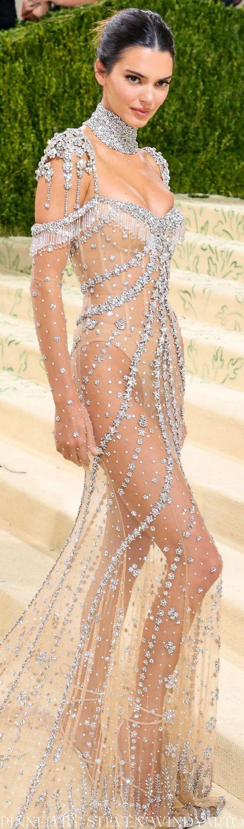 Kendall Jenner Look From The 2021 Met Gala Red Carpet #metgala2021 #metgala #kendalljenner