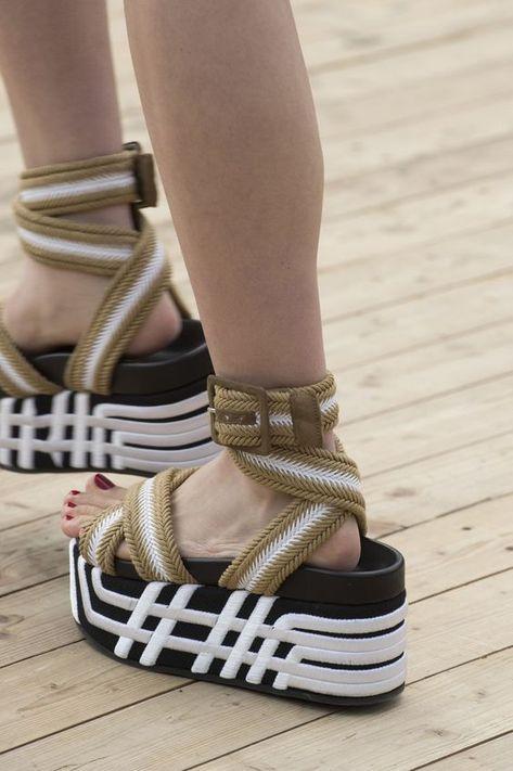 какая женская обувь в моде 2019