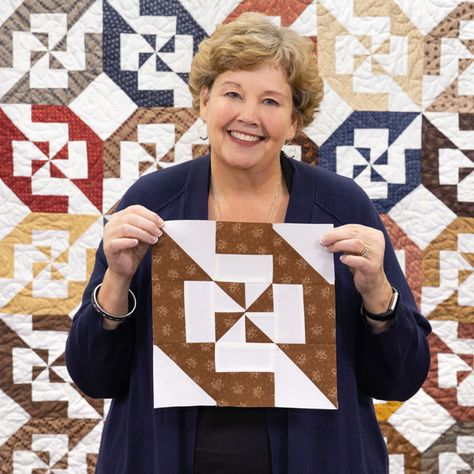 Disappearing Double Pinwheel Quilt - Missouri Star Quilt Co. Watch as Jenny Doan puts together a simple quilt block, chops it into 9 pieces, rearranges those . Star Quilts, Scrappy Quilts, Easy Quilts, Quilt Blocks, Missouri Quilt Tutorials, Quilting Tutorials, Quilting Projects, Sewing Projects, Sewing Tips