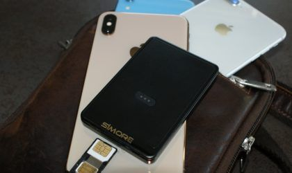 SIMore+E-Clips+Gold+iPhone+Dual+SIM+Adapter | photos of
