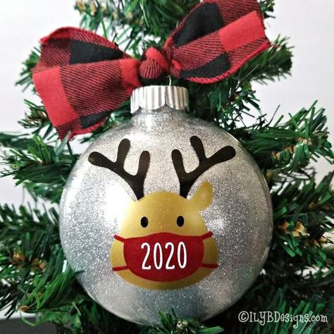 2020 Christmas Ornament - Reindeer Mask Ornament - 2020 Masked Reindeer Ornament - 2020 Quarantine Ornament - Christmas 2020 Ornament Remember the year 2020 as the year of masks and quarantine with a Reindeer Mask Ornament.MATERIALS:•100mm disc shatterproof ornament•glitter attached on the inside to make it sparkly but mess free (in your choice of color)•high quality permanent vinyl PERSONALIZATION:•personalized with family name or individual name(s) on the backADDITIONAL INFORMATION:•each ornam Vinyl Ornaments, Funny Christmas Ornaments, Personalized Christmas Ornaments, Christmas Fun, Christmas Bulbs, Lightbulb Ornaments, Reindeer Ornaments, Glitter Ornaments, Diy Weihnachten