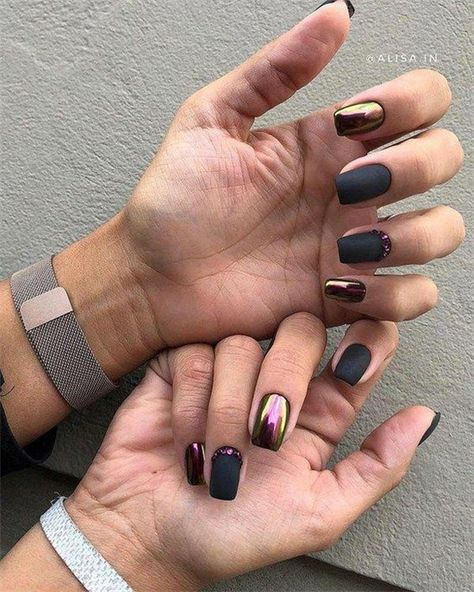Amazing Short Acrylic Nails Designs To Express Yourself