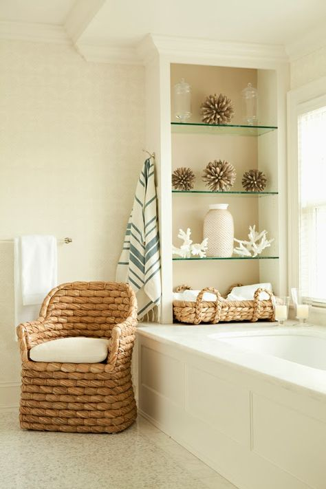 .bathroom/ beach house style