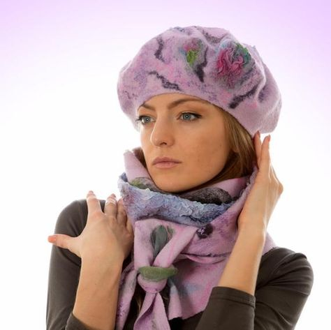 Womens felted set: Bactus scafrberet wool beret by LanaDiNata