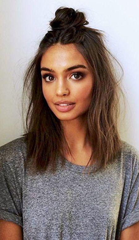 Lassige Frisur Ideen Fur Damen Lassige Frisuren Unordentliche Frisur Wellige Frisuren