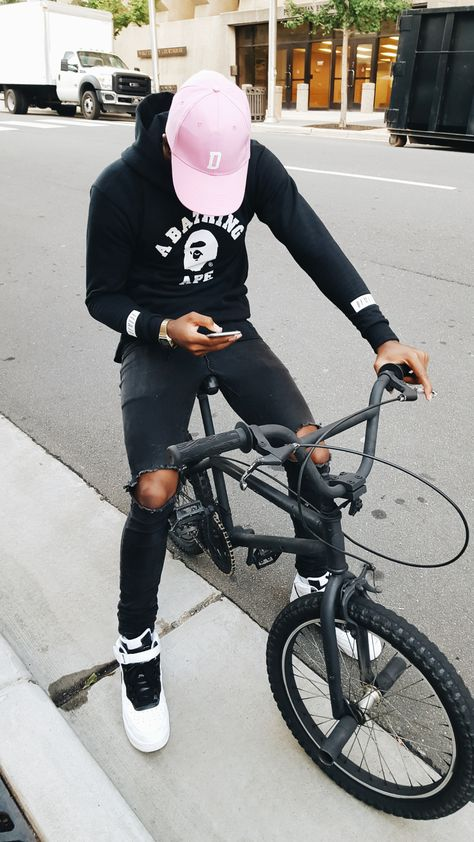 pvrgelord:  aquatty:  phuckyourpicturess:  http://phuckyourpicturess.tumblr.com/  Daily streetwear over here  pvrgelord