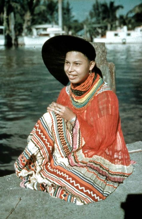 Florida Memory - Seminole woman in traditional clothing - Musa Isle Indian Village, Florida