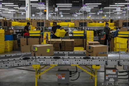 Inside An Amazon Warehouse Robots Ways Rub Off On Humans