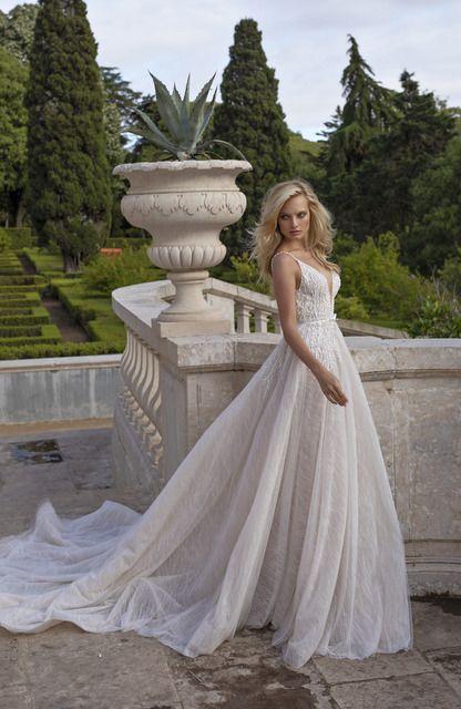 Regina By Eva Lendel Wedding Dress Inspiration Wedding Dress Trends Modern Wedding Dress