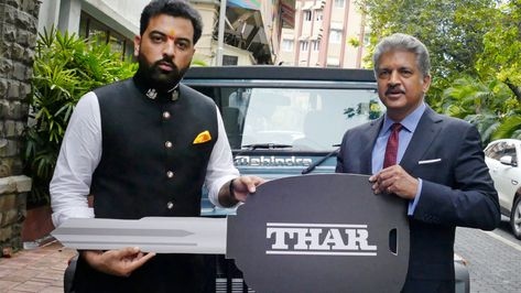 Prince of Udaipur Bought Mahindra's Thar 700, Anand Mahindra arrived to deliver the key himself